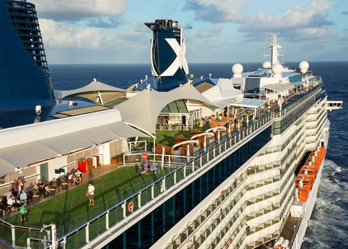 Celebrity Reflection - Navigare sul green